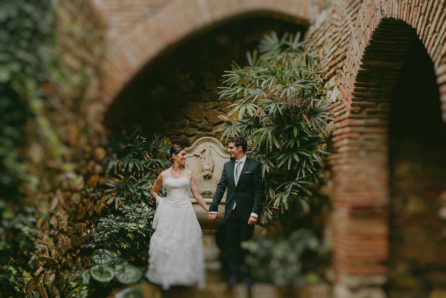 Arasteh + Iñigo, lovers in Málaga – Boda en el Castillo de Santa Catalina